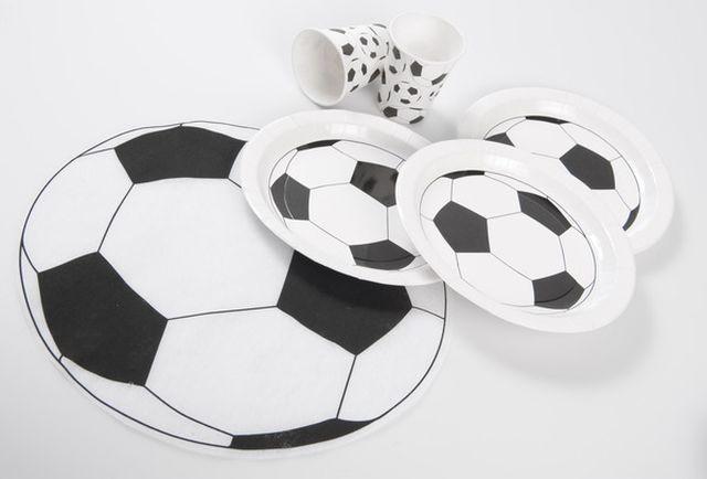 Assiettes foot noir d co anniversaire d co football - Decoration anniversaire football ...