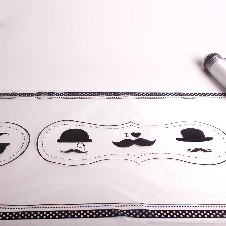 D coration th me moustache chemin de table chapeau for Nappe et chemin de table en papier