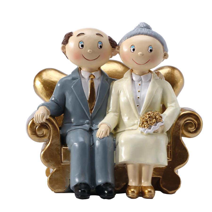 couple mari s papy mamy dans fauteuil dor. Black Bedroom Furniture Sets. Home Design Ideas