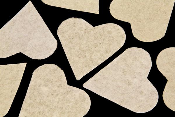 Sachet gros confettis Cœur Ivoire