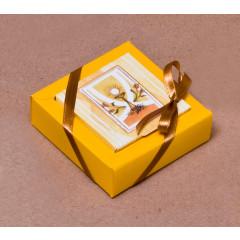 Boites à dragées Nina PM - jaune 8 cm