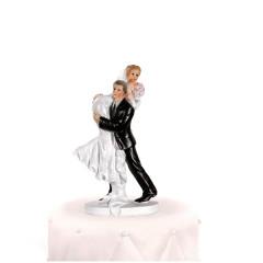 Sujet marié portant la mariée