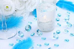 Vos invités seront totalement émerveillés face à une déco de mariage bleu  ciel réalisée avec autant de goût !