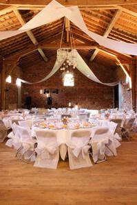 déco de plafond pour salle mariage