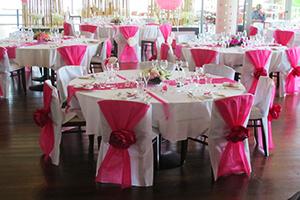 decoration table mariage rose et blanc