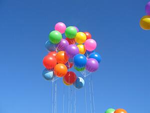 ballons géants en grappe