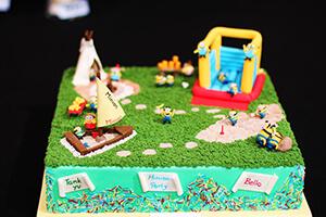 décoration gâteau les minions